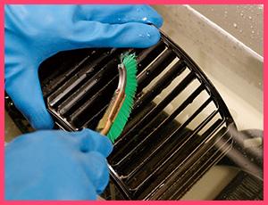 STEP.3 ブラシ洗浄