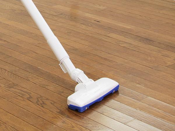 フローリングの掃除⽅法